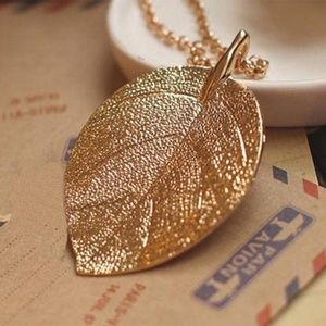 Jewelry - Gold Leaf Chunky Pendant Long Necklace